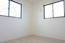 2階リビングとして、ファミリースペースとして、広めの主寝室として、様々な使い方がありそうです。