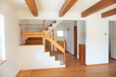 リビング階段となっておりご家族で顔えお合わせる機会も増えますね^^
