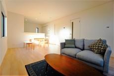 約17帖のリビングは長方形で家具が配置しやすい間取りとなっています^^