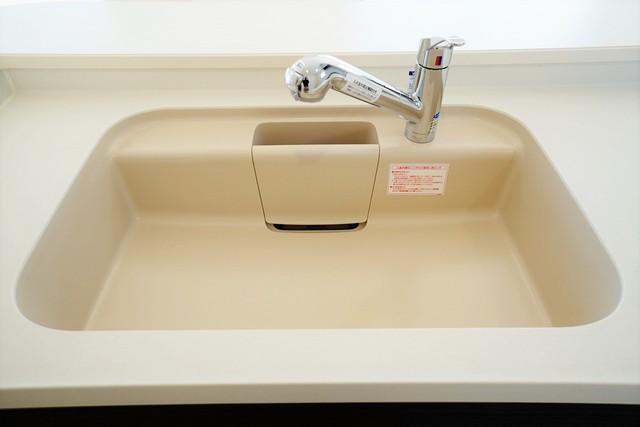 同仕様写真。大きなお鍋も楽々洗える幅の広いシンクです^^ ステンレスシンクなので簡単にお掃除できますよ。