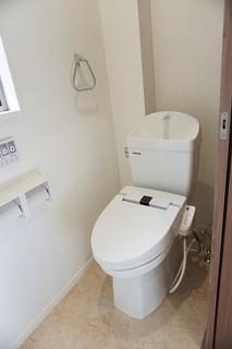 同仕様写真。1階2階の2ヶ所にトイレがあるので、忙しい朝にもゆとりができますね。