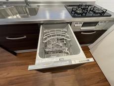 家事の時間が短縮できる食器洗い乾燥機付なので片付けも楽々です。