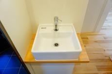 玄関ホールには手洗い器が設けられています。帰宅後すぐに手を洗えるので嬉しいですね^^