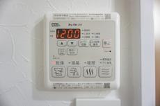 浴室乾燥、洗濯乾燥、浴室暖房など浴室やお洗濯のお悩みを解消させる浴室暖房乾燥機です。タイマーや24時間換気など、あると便利な機能が満載です。