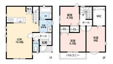 広さのあるウォークインクローゼットが魅力です^^各居室しっかり収納があるので棚を置かずに済み、お部屋が広く使えますね^^リビング階段で家族の距離がグッと縮みます。