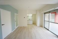 広々としたリビングです。お気に入りの家具を配置したり、お好きな雑貨を飾って居心地の空間を作りたいですね^^
