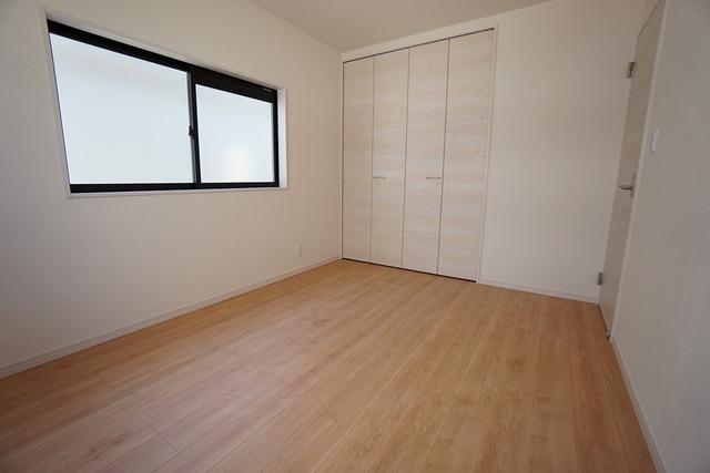 全居室にはたっぷり収納できる大型クローゼットを設置しています。