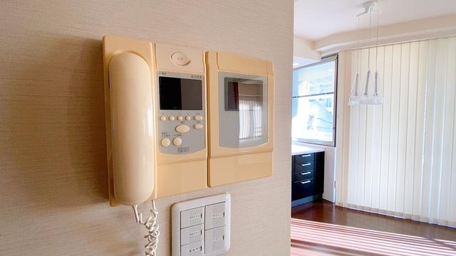 防犯性、セキュリティ対策に安心できるテレビモニター付きインターフォンです。