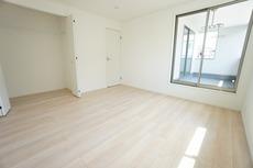 各部屋に収納が完備されているので、お荷物が多くなっても安心の設計です。