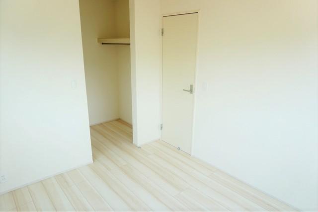 2階のお部屋には全室ウォークインクローゼットが付いており収納力もバッチリです。