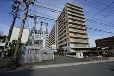 現地(2021年4月)撮影 篠栗線柚須駅徒歩11分。スーパーやコンビニも近く周辺環境充実しています。