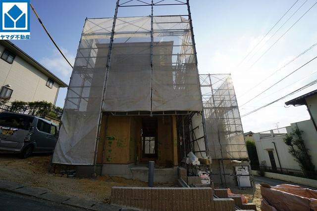 1号棟 現地(2021年9月)撮影 10年間の瑕疵保証が付いた安心の新築戸建。最新の設備で気持ちの良い新生活を送りませんか。お気に入りの家具とインテリアで素敵な部屋を作りましょう。