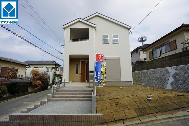 2号棟 現地(2021年9月)撮影 10年間の瑕疵保証が付いた安心の新築戸建。最新の設備で気持ちの良い新生活を送りませんか。お気に入りの家具とインテリアで素敵な部屋を作りましょう。