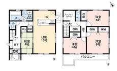 4SLDKと各部屋収納付きでゆとりのある暮らしが実現。リビングは隣にある和室を合わせると19帖以上の開放感あふれる空間です。2階は洋室が3部屋あるので、お子様が大きくなっても安心ですね。