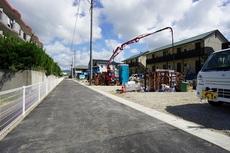 現地(2021年9月)撮影。スーパー、コンビニも近く、周辺環境充実。