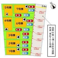 縦列で2台駐車できる駐車場付きです。4号棟は博多区と東区を跨いでおり、4号棟からは東区になります。