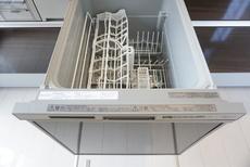 同仕様写真。家事の時間が短縮できるフルオープンで開けやすい食器洗い乾燥機付。