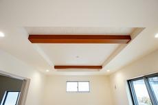 リビングの天井は開放感あふれる折り上げ天井^^