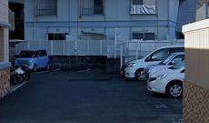 平面駐車場つきです。